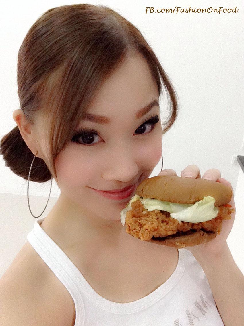 รีวิว Black Magic Burger เมนูใหม่จาก KFC ^ ^