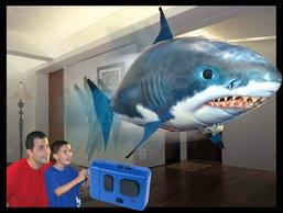 """""""ฉลาม-บอลลูน""""แหวกว่ายกลางอากาศ!!!"""