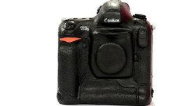ฮือฮากันทั้งวงการเมื่อ Nikon จับมือ Canon ผลิตกล้องโปรตัวล่าสุด