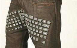 เมื่อกางเกงยีนส์แปลงร่างเป็นคีย์บอร์ด