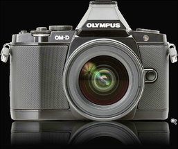 [Preview]: Minox vs OM-D สองกล้องสองสไตล์