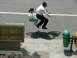มาชมภาพถ่ายชุดจักรยานล่องหนกัน เค้าใช้เทคนิคไหนถ่ายหรือว่าจะเป็น Photoshop