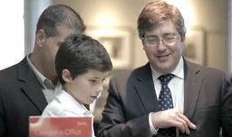 ไมโครซอฟท์ให้เด็กไม่ถึง 10 ขวบ มาขาย Windows 8