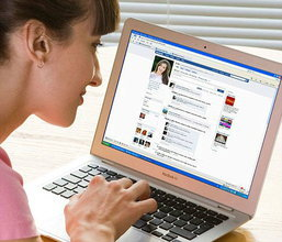 10 เหตุผลที่ผู้หญิงเล่น Facebook