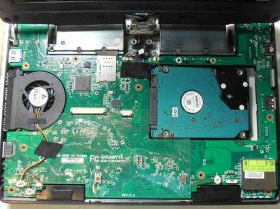 Gigabyte ส่ง T1006 Tablet PC พลัง Cedar Trail ให้ FCC รับรองแล้ว