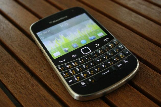 แรกสัมผัสกับ BlackBerry Bold 9900 ที่ได้ชื่อว่าเป็น BlackBerry ที่ดีที่สุดในตอนนี้
