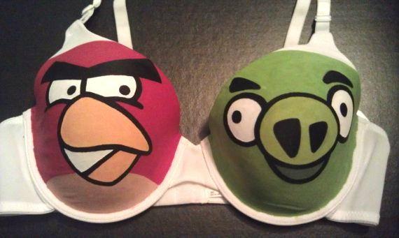 สินค้า Angry Birds ในรูปนี้...คืออะไร?