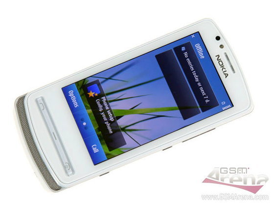 [พรีวิว] Nokia 700 สมาร์ทโฟน Symbian Belle ดีไซน์เก๋ และสีสันสดใส โดนใจวัยรุ่น
