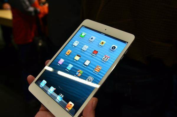 ราคา iPad mini (ไอแพด มินิ) เครื่องศูนย์ มาบุญครอง (เครื่องนอก) วันที่ 6 มกราคม 2556