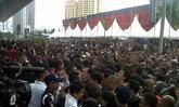 ลอกไทยมา : Bold 9790 ลด 50% เหยียบกันปางตายที่อินโดนีเซีย