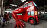 """โปรโมทโอลิมปิก""""รถเมล์สองชั้นวิดพื้น"""""""
