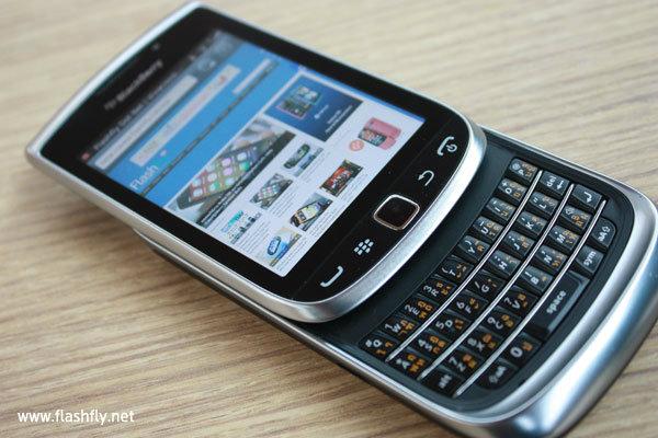 แรกสัมผัส BlackBerry Torch 9810 ส่วนผสมที่ลงตัวของ Touch และ Type