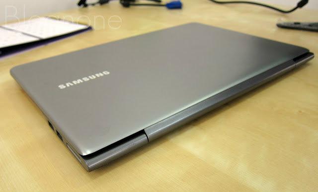 """มินิรีวิว โน้ตบุ๊ก Samsung Series 5 Ultra 13"""""""