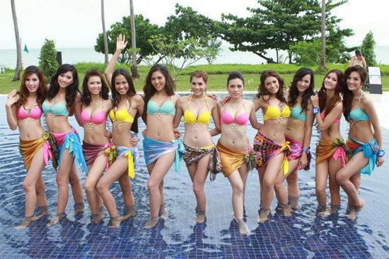30 สาวงาม มิสไทยแลนด์เวิลด์2011 โชว์ชุดว่ายน้ำ